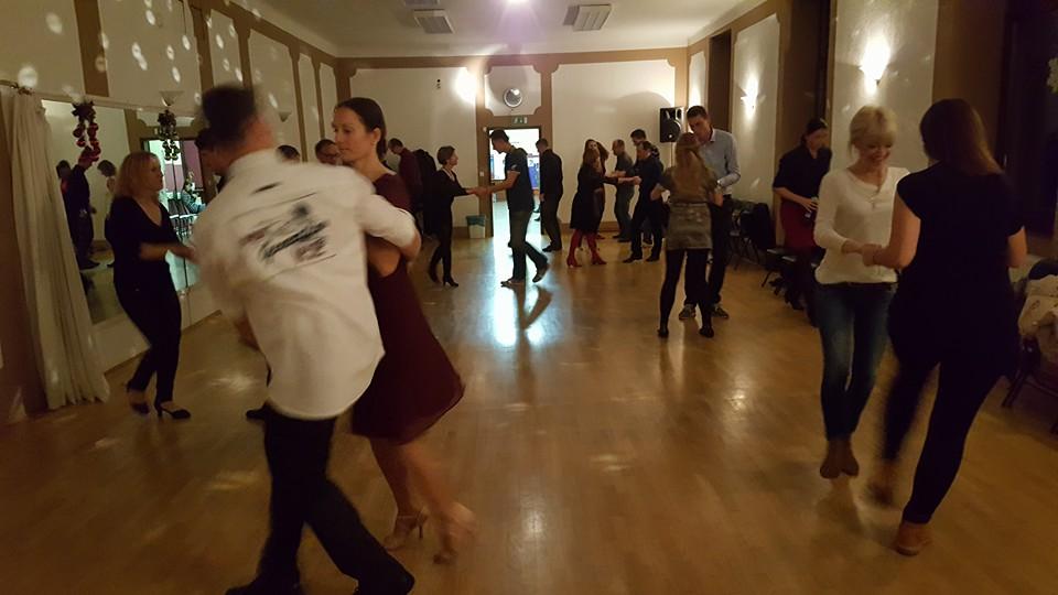 AVGUST v plesu!